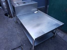 Bulk Lot of Restaurant Equipments...