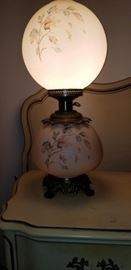 Gone with the Wind Lamp.  Both top and bottom lights work