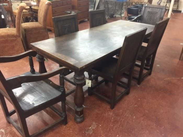 Charles 11 Revival Oak Table/8 Chairs