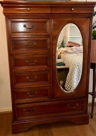 Chest of Drawers - $100