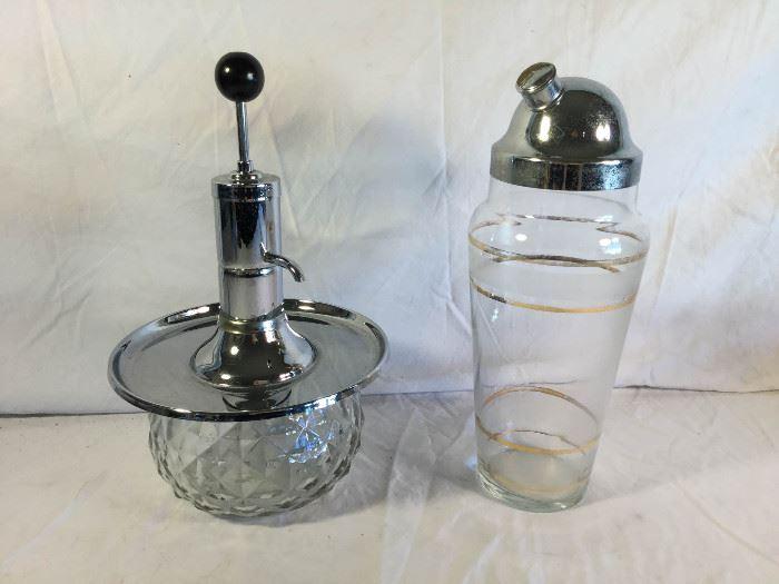 Vintage Cocktail Shaker & Shot Pump https://ctbids.com/#!/description/share/86960