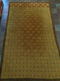 Modern wool hand knotted rug