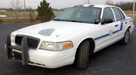 2005 Ford Crown Victoria Passenger Car, Odometer Reads 148,912 Miles, VIN # 2FAFP71W05X135348