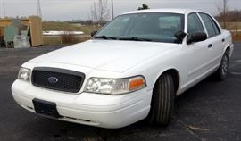 2004 Ford Crown Victoria Passenger Car, Odometer Reads 174,368 Miles, VIN # 2FAFP71W84X106596