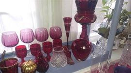 Color glass cranberry