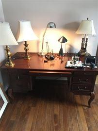 Walter E Smithe Desk