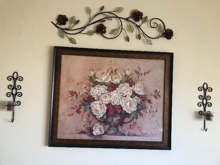 Sample of art work and metal wall decorations