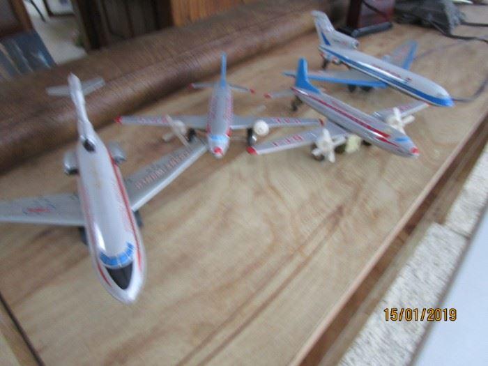 vintage metal airlines