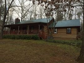 Gorgeous log cabin in the woods