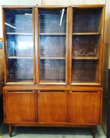 Mid Century Modern China Cabinet American by Martinsville