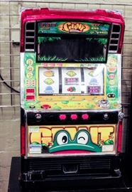 "Lot 208 - Slot Machine ""Giant Pulsar"" w/ Video Overlay"