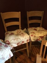 Farmhouse kitchen chairs without without  pads