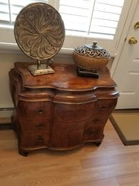 Decorative accent items (sorry: owner taking chest of drawers)