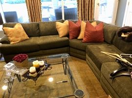 Sectional sofa in excellent shape & coffee table