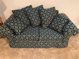 Style Rite lovely love seat