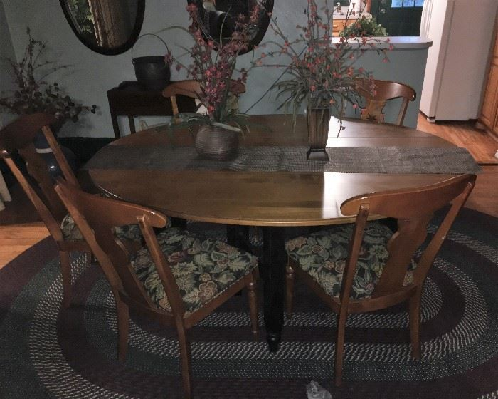 ETHAN ALLEN DROP LEAF DINING TABLE WITH 6 CHAIRS