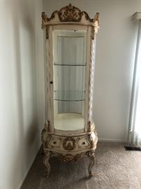 Beautiful French provincial Hollywood Regency curio cabinet