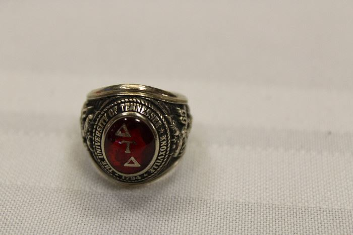 fraternity class ring
