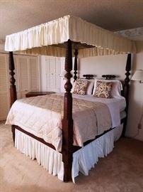 Victorian Spool-Post Canopy Bed--Magnificent! https://ctbids.com/#!/description/share/86831