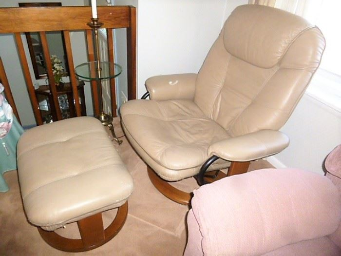 Stressless style chair & ottoman. One of two matching. Just $250 CLEAN!