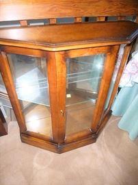 Curio / Display cabinet $150!