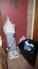 Oreck Upright - CLEAN