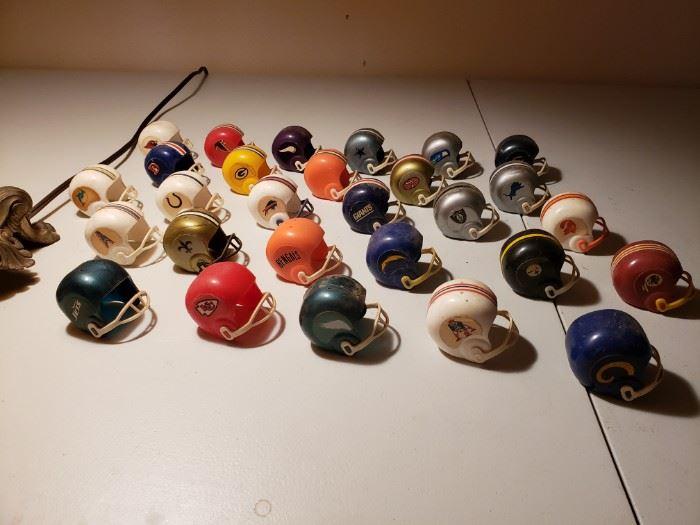 Mini Gumball NFL Helmets