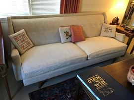 Drexel Mid Century Sofa in VERY good condition $ 340.00