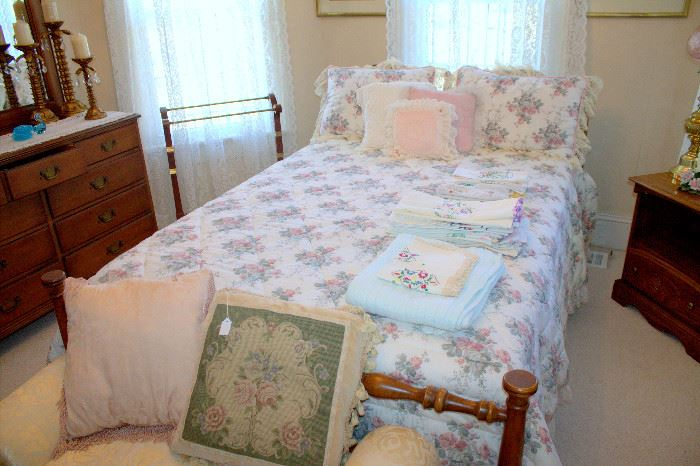 Full bed with mattress