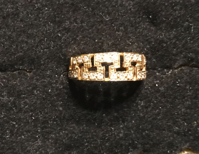 18k gold and diamond ring-Valentines Day?