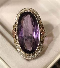 Stunning vintage 14K gold and amethyst  ring w seed/pearls -