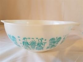Vintage Pyrex Butterprint Nesting Bowls