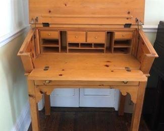 Adorable desk....