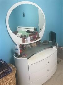 Dressing table contemporary style synthetic clean finish $80:00