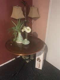 Iron out door table with gorgeous decoration $45