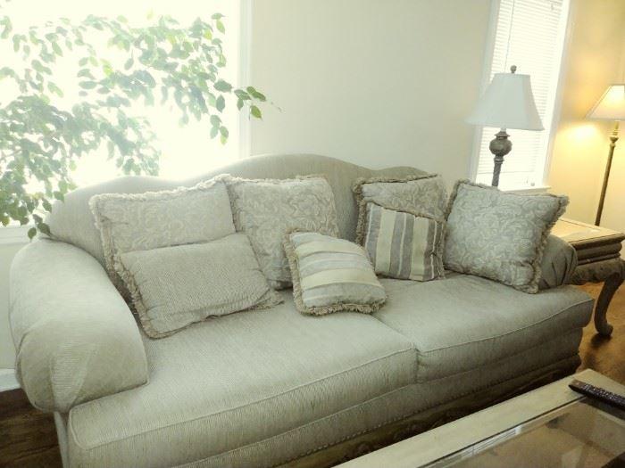 Lovely sofa and loveseat
