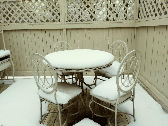 cute patio table set