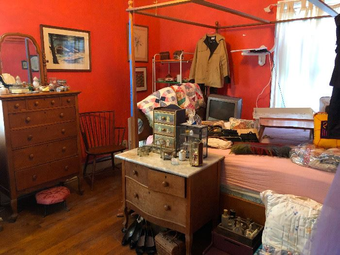 four-poster queen bed not for sale
