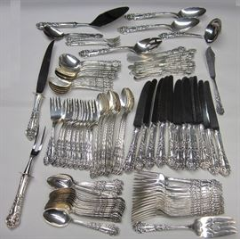 Reed & Barton French Renaissance Sterling flatware set. 117.13 troy ounces