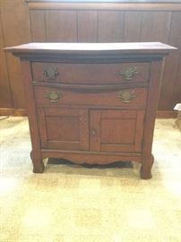 Oak Side Table https://ctbids.com/#!/description/share/87965