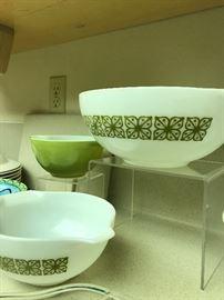 Green Verde Square Vintage Cinderella Batter Nesting Bowls