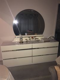 Matching contemporary dresser with mirro