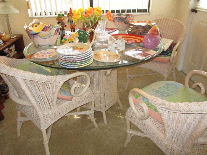White wicker table and four chairs in very good condition