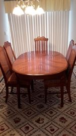 Oak Kitchen table and 5 chairs.