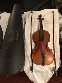 IRA WHITE ANTIQUE VIOLIN WITH CASE