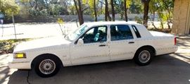 1996 Lincoln Town Available NOW!