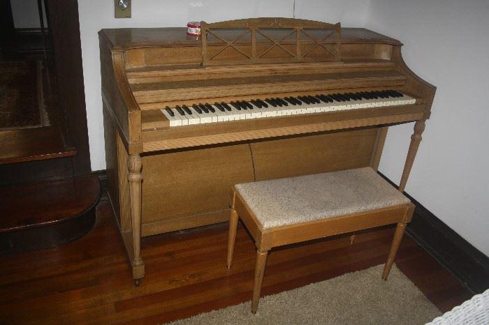 STROY & CLARK PIANO