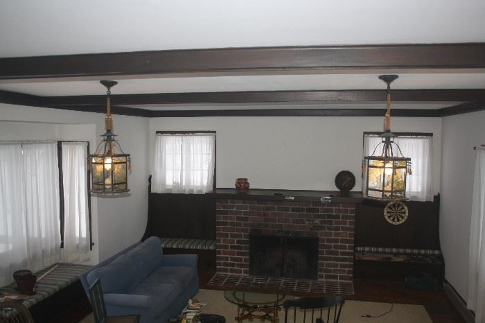 CEILING LIGHTS AND MANTLE
