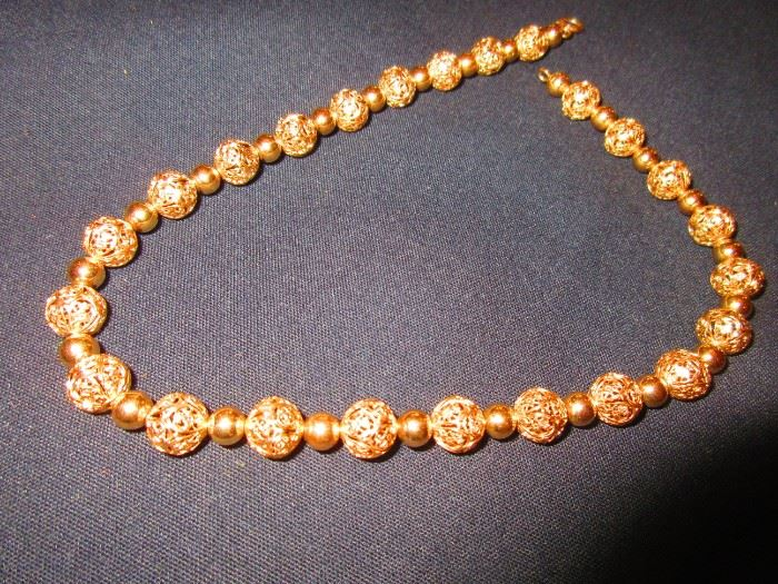 14 karat gold filigree ball necklace