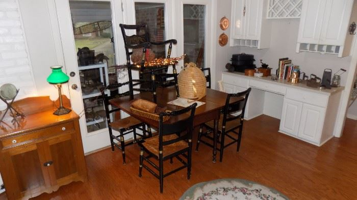 drop leaf dining table...set of 6 Black Tole chairs